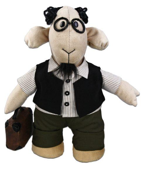 Мягкая игрушка Fluffy Family Овечки челОвечки: Профессор, 31 см681021Забавная мягкая игрушка Fluffy Family Овечки челОвечки: Профессор поднимет настроение и малышам, и взрослым. Игрушка изготовлена из высококачественного текстильного материала с набивкой из полиэфирного волокна. Игрушка выполнена в виде умной овечки в костюме профессора. Мягкая черная жилетка, круглые пластиковые очки, элегантный портфель и черная бородка дополняют образ. На голове Профессора - курчавые волосы из ниток. Игрушка имеет уплотнения в ногах, позволяющие ей стоять самостоятельно. Оригинальная мягкая игрушка способна развеселить как ребенка, так и взрослого. Внешний вид игрушки продуман до мелочей, и она идеально вписывается в задуманный образ. Такая очаровательная овечка непременно вызовет у вас улыбку. Великолепное качество исполнения делают эту игрушку чудесным подарком к любому празднику. Овечки челОвечки - это оригинальная коллекция авторских игрушек. Все челОвечки такие разные, и все-таки в каждом мы узнаем своих знакомых, друзей и возможно...