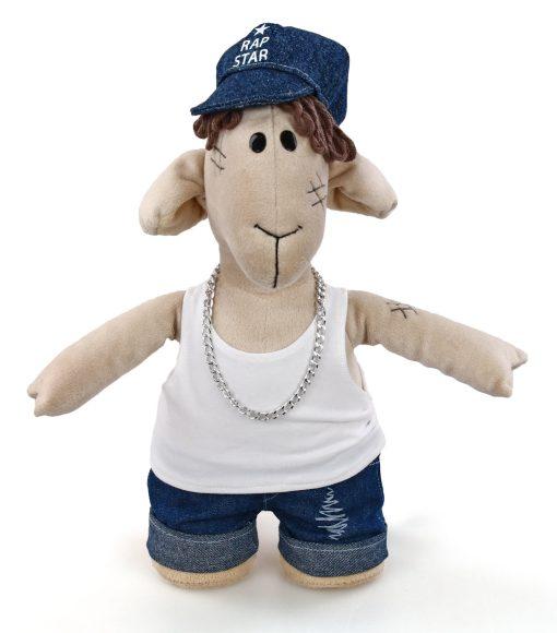 Мягкая игрушка Fluffy Family Овечки челОвечки: Диджей, 32 см681031Забавная мягкая игрушка Fluffy Family Овечки челОвечки: Диджей поднимет настроение и малышам, и взрослым. Игрушка изготовлена из высококачественного текстильного материала с набивкой из полиэфирного волокна. Игрушка выполнена в виде симпатичной овечки в костюме диджея. Металлическая цепь на шее и модная кепка с надписью Rap Star дополняют образ. На голове Диджея - курчавые волосы из ниток. Игрушка имеет уплотнения в ногах, позволяющие ей стоять самостоятельно. Оригинальная мягкая игрушка способна развеселить как ребенка, так и взрослого. Внешний вид игрушки продуман до мелочей, и она идеально вписывается в задуманный образ. Такая очаровательная овечка непременно вызовет у вас улыбку. Великолепное качество исполнения делают эту игрушку чудесным подарком к любому празднику. Овечки челОвечки - это оригинальная коллекция авторских игрушек. Все челОвечки такие разные, и все-таки в каждом мы узнаем своих знакомых, друзей и возможно даже самих себя.