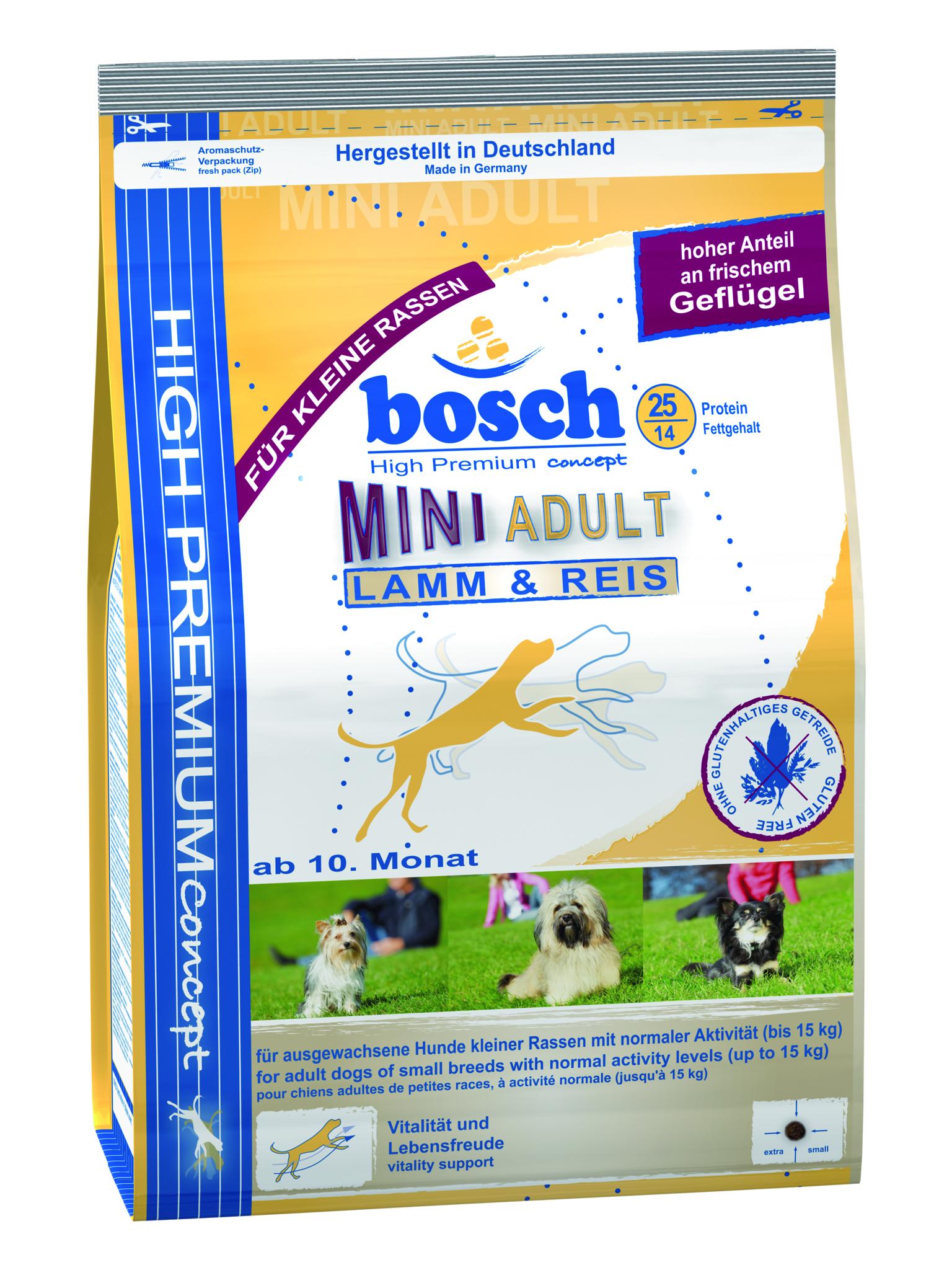 Корм сухой Bosch Mini Adult Lamb Rice для взрослых собак мелких пород, ягненок с рисом, 1 кг5338001Корм предназначен для полнорационного ежедневного питания для взрослых собак, но маленьких пород (вес взрослой собаки до 15 кг). Данный корм содержит только натуральные продукты из высококачественного мяса ягненка, рис, пшеницу, цельное яйцо. Пропорция жира и протеина рассчитана специально для собак мелких пород, так как они более активны и тратят больше энергии. Данный корм Bocsh Mini Lamb & Rice изготовлен из мяса ягненка, которое обладает очень низким аллергенным потенциалом, и поэтому подходит для собак склонных к аллергии, а также с чувствительной кожей и шестью. Корм имеет высокие вкусовые показатели, поэтому подойдет даже очень избирательным собакам. Состав: свежее мясо домашней птицы 20%, рис 17%, кукуруза, мясо домашней птицы, мука из мяса ягненка 5%, клейковина кукурузы, просо, животный жир, свекольная пульпа (без сахара), яичный порошок, гидролизованное мясо, льняное семя, рыбная мука, мука из свежего мяса, рыбий жир, дрожжи (минимум 0,1% маннан-олигосахариды,...