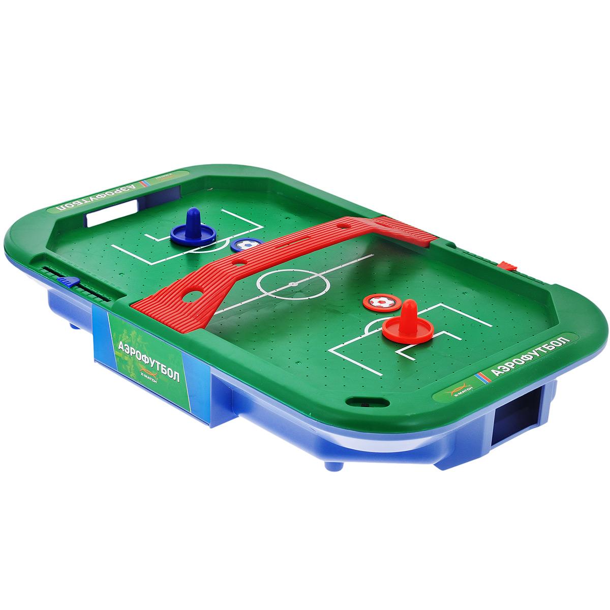 Настольная игра X-Match Аэрофутбол66450Настольная игра X-Match Аэрофутбол - увлекательное состязание для двух участников, которое позволит весело провести время в компании друг, развить отличную реакцию, а также поддержать хорошую физическую форму. С помощью бит игроки защищают свои ворота и забивают в ворота противника шайбы, оформленные изображением футбольного мяча. Набор состоит из игрового поля с двумя табло для фиксации счета, перегородки, двух шайб и двух бит. Игровое поле представляет собой гладкую игровую поверхность зеленого цвета, окруженную бортиком, предотвращающим падение шайбы и бит. По краям поля расположены ворота с отверстиями, через которые возвращается забитая шайба. При помощи небольших дырочек на игровой поверхности создается циркуляция воздуха, уменьшая трение и увеличивая тем самым скорость игры. Порадуйте ребенка таким замечательным подарком! Необходимо докупить 2 батарейки напряжением 1,5V типа D (LR20) (не входят в комплект).