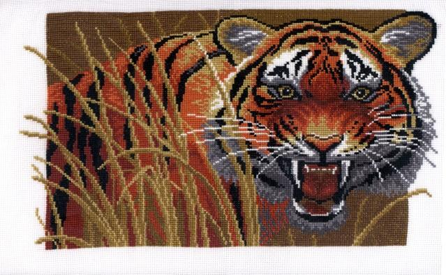 Набор для вышивания крестом Hobby & Pro Тигр на охоте, 27 х 17 см 654680629