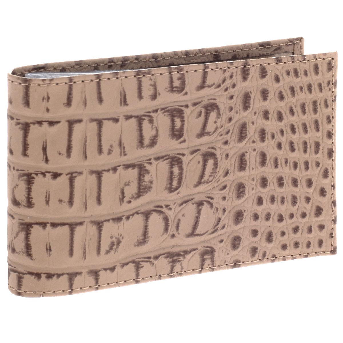 Визитница горизонтальная Befler, цвет: бежевый. V.30.-13V.30.-13. бежевыйУльтрамодная горизонтальная визитница Befler изготовлена из натуральной кожи и декорирована тиснением под рептилию. Тыльная сторона оформлена названием бренда. Внутри содержится съемный блок из прозрачного мягкого пластика на 20 визиток, а также 2 удобных горизонтальных кармана. Изделие упаковано в фирменную коробку. Стильная визитница подчеркнет вашу индивидуальность и изысканный вкус, а также станет замечательным подарком человеку, ценящему качественные и практичные вещи.