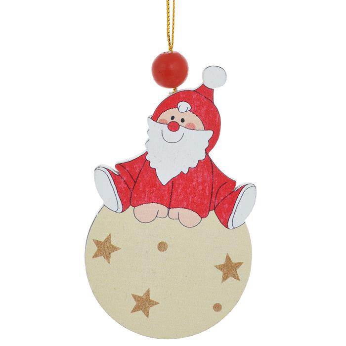 Новогоднее подвесное украшение Sima-land Дед Мороз на шарике. 154248154248Новогоднее украшение Sima-land из дерева отлично подойдет для декорации вашего дома и новогодней ели. Украшение оснащено специальной текстильной петелькой для подвешивания. Елочная игрушка - символ Нового года. Она несет в себе волшебство и красоту праздника. Создайте в своем доме атмосферу веселья и радости, украшая всей семьей новогоднюю елку нарядными игрушками, которые будут из года в год накапливать теплоту воспоминаний.