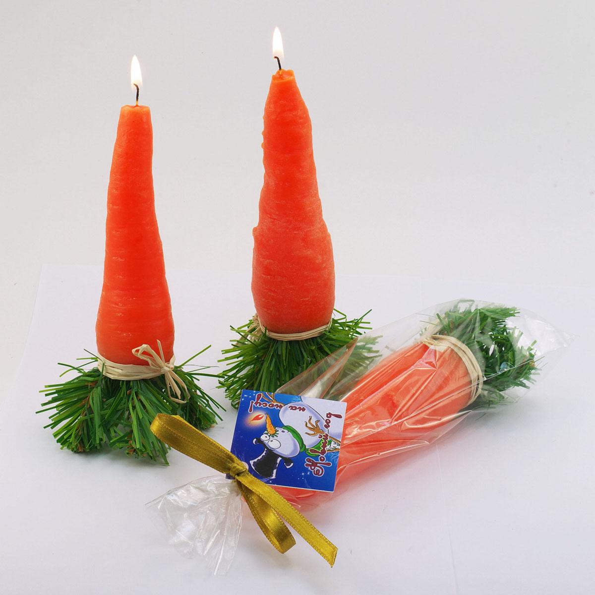 Свеча декоративная Sima-land Нос, цвет: оранжевый, зеленый. 769796769796Свеча декоративная Sima-land Нос - отличный подарок, подчеркивающий яркую индивидуальность того, кому он предназначается. Изделие выполнено из высококачественного парафина в форме морковки с елочными веточками. Такая свеча украсит интерьер вашего дома или офиса в преддверии Нового года. Оригинальный дизайн и красочное исполнение создадут праздничное настроение. Материал: парафин. Размер свечи (без учета фитиля): 17 см х 4 см х 4 см.