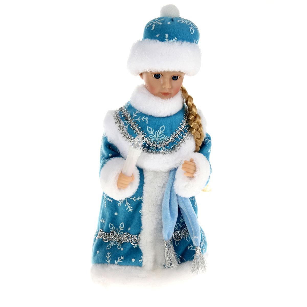 Новогодняя декоративная фигурка Sima-land Снегурочка, музыкальная, 29 см. 827836827836Новогодняя декоративная фигурка выполнена из высококачественного пластика в виде Снегурочки. Снегурочка одета в шубу с опушкой, украшенную снежинками и декоративной тесьмой. На голове шапка в цвет шубы. В руке Снегурочка держит свечку. Кукла стоит на пластиковой подставке. Особенностью фигурки является наличие механизма, при включении которого начинает играть новогодняя мелодия, свечка светится, а голова и руки Снегурочки начинают двигаться. Ее добрый вид и очаровательная улыбка притягивают к себе восторженные взгляды. Декоративная фигурка Снегурочка подойдет для оформления новогоднего интерьера и принесет с собой атмосферу радости и веселья. УВАЖАЕМЫЕ КЛИЕНТЫ! Обращаем ваше внимание на тот факт, что декоративная фигурка работает от трех батареек типа АА напряжением 1,5V. Батарейки в комплект не входят.