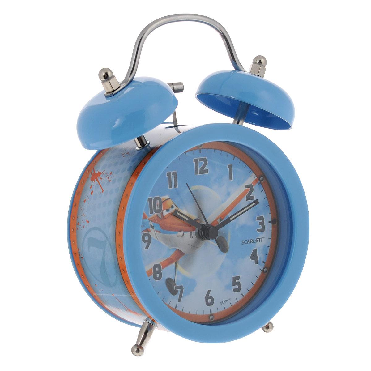 Будильник Scarlett Самолеты, цвет: голубой. SC-ACD05PLSC-ACD05PLБудильник Scarlett Тачки с надежным кварцевым механизмом - это не только функциональное устройство, но и оригинальный элемент декора, который великолепно впишется в интерьер детской комнаты. Он снабжен четырьмя стрелками: часовой, минутной, секундной и стрелкой завода. Циферблат оформлен изображением Дасти из мультфильма Самолеты. Сверху будильника располагается механический звонок. Время включения будильника устанавливается колесиком, затем необходимо перевести переключатель в положение On. Сигнал будильника механический, работает до его отключения. Для этого необходимо перевести переключатель в положение Off. Отличительной особенностью этого будильника является то, что он обладает плавным, бесшумным ходом. В комплект входит инструкция по эксплуатации на русском языке. Порадуйте своего ребенка таким замечательным подарком! Не рекомендуется детям до 3-х лет. Необходимо докупить 1 батарейку напряжением 1,5V типа АА (не входит в комплект).