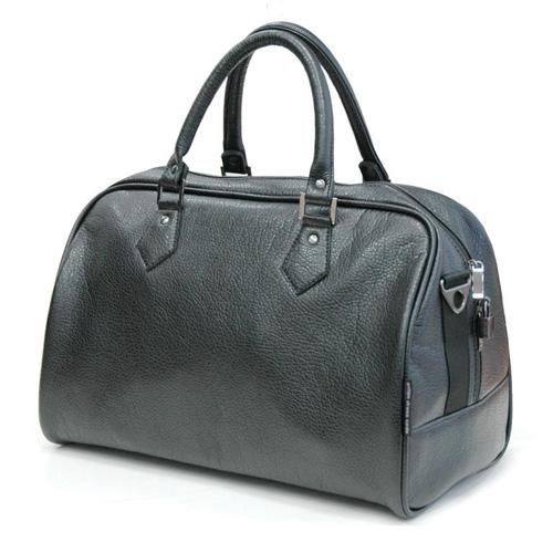 Сумка дорожная Antan, цвет: черный. 2-137 В2-137 ВДорожная сумка Antan выполнена из фактурной искусственной кожи. Удобные ручки крепятся к корпусу сумки при помощи металлической фурнитуры. Изделие закрывается на удобную застежку-молнию с двумя бегунками. Вместительное внутреннее отделение дополнено врезным карманом на застежке-молнии. В комплекте с сумкой - съемный регулируемый плечевой ремень. Стильная дорожная сумка не только дополнит ваш образ, но и отлично подойдет для дальних поездок. В ней вы сможете оптимально распределить все необходимые вещи.