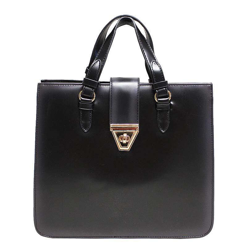 Сумка женская LCredi, цвет: черный. 098621510500Изысканная женская сумка LCredi изготовлена из искусственной кожи и исполнена в лаконичном стиле. Изделие закрывается хлястиком на замок-вертушку. В сумке три отделения. Первое и третье - без застежек, третье отделение дополнено врезным карманом на застежке-молнии. Среднее отделение - на застежке-молнии, содержит два накладных кармашка для мелочей и телефона. Длинный съемный плечевой ремень - в комплекте. Такая сумка добавит элегантности в модный образ и подчеркнет ваш отменный вкус.