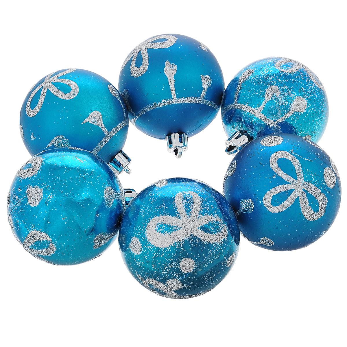 Набор новогодних подвесных украшений Шар, цвет: голубой, серебристый, 6 шт. 3555135551Набор новогодних подвесных украшений Шар прекрасно подойдет для праздничного декора новогодней ели. Состоит из шести шаров. Елочная игрушка - символ Нового года. Она несет в себе волшебство и красоту праздника. Создайте в своем доме атмосферу веселья и радости, украшая новогоднюю елку нарядными игрушками, которые будут из года в год накапливать теплоту воспоминаний. Коллекция декоративных украшений принесет в ваш дом ни с чем несравнимое ощущение волшебства! Откройте для себя удивительный мир сказок и грез. Почувствуйте волшебные минуты ожидания праздника, создайте новогоднее настроение вашим дорогим и близким.