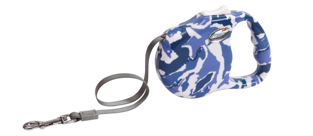 Поводок-рулетка Freego Камуфляж для собак до 23 кг, размер М, цвет: белый, синий, темно-синий, 3 м53499Поводок-рулетка Freego Камуфляж изготовлен из пластика и нейлона. Корпус оформлен принтом синий камуфляж. Выдвижная нейлоновая лента-поводок имеет хромированную застежку-карабин, с помощью которой надежно пристегивается к ошейнику. Поводок-рулетка Freego Камуфляж - это необходимый, практичный и стильный атрибут для прогулок с вашей собачкой. Его длину можно зафиксировать с помощью специальной кнопки. Длина поводка: 3 м. Максимальная нагрузка: 23 кг.