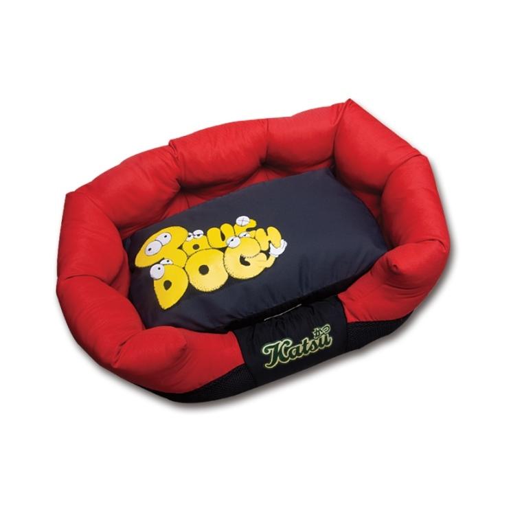 Лежак для собак Katsu Фанни, цвет: красный, 60 см х 60 см х 19 см54866Мягкий и уютный лежак для собак Katsu Фанни обязательно понравится вашему питомцу. Лежак выполнен из плотного материала. Внутри - мягкий наполнитель, который не теряет своей формы долгое время. Изделие имеет съемную внутреннюю подушку. Высокие борта лежака обеспечат вашей собаке уют и комфорт. Дно изделия оснащено противоскользящей вставкой. За изделием легко ухаживать, можно стирать вручную или в стиральной машине при температуре 40°С.