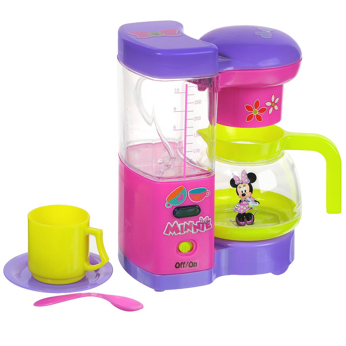Simba Кофеварка Minnie Mouse, с аксессуарами4735137Если ваш ребенок любит помогать маме на кухне, играть с посудой, варить и жарить, но вам приходится ограничивать его в игре с бьющимися предметами кухонной утвари и техникой, то эта игрушка создана специально для юного поваренка. С кофеваркой Minnie Mous ваша малышка сможет напоить своих игрушек вкусным кофе. Игрушка оснащена звуковыми и световыми эффектами. Верхняя крышка кофеварки снимается, в чашу можно налить воды. Реалистичные звуки помогут воссоздать атмосферу готовки. В комплект также входят две кружки, 2 блюдца и 2 ложечки. Все элементы набора выполнены из прочного яркого пластика. Порадуйте свою малышку таким замечательным подарком! Необходимо докупить 2 батарейки напряжением 1,5V типа АА (не входят в комплект).