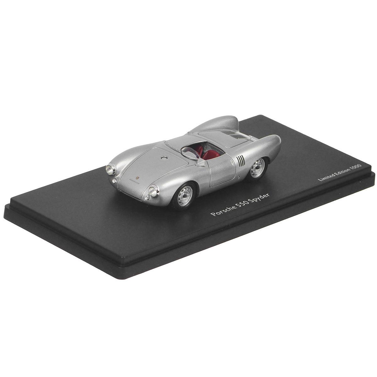 Schuco Коллекционная модель Автомобиль Porsche 550 Spyder, цвет: серебристый450886800Стильная коллекционная модель Schuco Автомобиль Porsche 550 Spyder является точной уменьшенной копией автомобиля компании Porsche. Корпус выполнен из пластика, прорезиненные колеса крутятся. Поставляется со стильной подставкой из пластика черного цвета. Такая модель станет отличным подарком не только любителю автомобилей, но и человеку, ценящему оригинальность и изысканность, а качество исполнения представит такой подарок в самом лучшем свете.