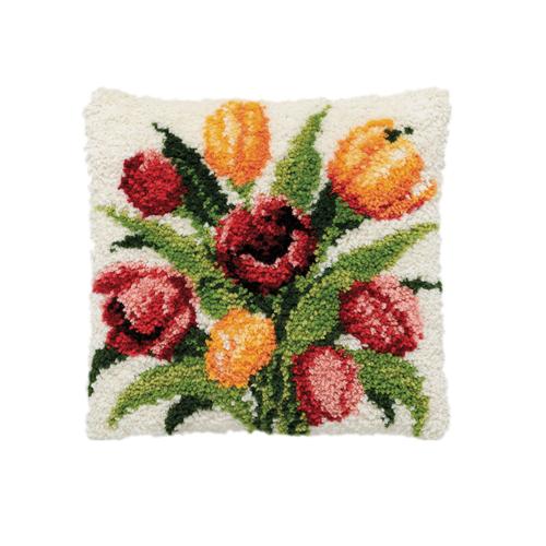 Набор для вышивания подушки Pako Тюльпаны, 40 х 40 см7708479Красивый и стильный рисунок-вышивка, выполненный на канве с нанесенным рисунком в ковровой технике, станет прекрасной заготовкой для декоративной подушки, которая будет выглядеть всегда стильно и модно. Вышивание отвлечет вас от повседневных забот и превратится в увлекательное занятие! Работа, сделанная своими руками, создаст особый уют и атмосферу в доме и долгие годы будет радовать вас и ваших близких, а подарок, выполненный собственноручно, станет самым ценным для друзей и знакомых. Нижнее основание для подушки в комплект не входит. В набор входят: - канва с нанесенным рисунком (100% хлопок), - нарезанная пряжа (100% акрил) 5,5 см, - крючок для вязания узлов, - подробная инструкция.