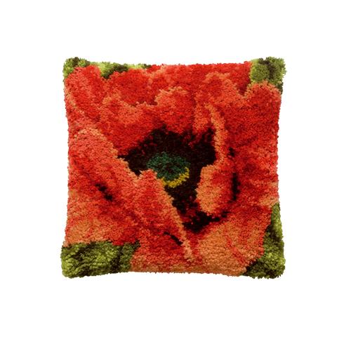 Набор для вышивания подушки Pako Красный мак, 40 х 40 см7708481Набор для вышивания Pako Красный мак поможет вам создать свой личный шедевр - красивую картину на страмине, вышитую в ковровой технике. Такая картина станет прекрасной заготовкой для декоративной подушки, которая будет выглядеть всегда стильно и модно. Вышивание отвлечет вас от повседневных забот и превратится в увлекательное занятие! Работа, сделанная своими руками, создаст особый уют и атмосферу в доме и долгие годы будет радовать вас и ваших близких, а подарок, выполненный собственноручно, станет самым ценным для друзей и знакомых. В набор входят: - страмин с нанесенным рисунком (100% хлопок), - нитки 100% акрил (отрезками по 5,5 см), - инструкция на русском языке. Нижнее основание и наполнитель для подушки в комплект не входят.
