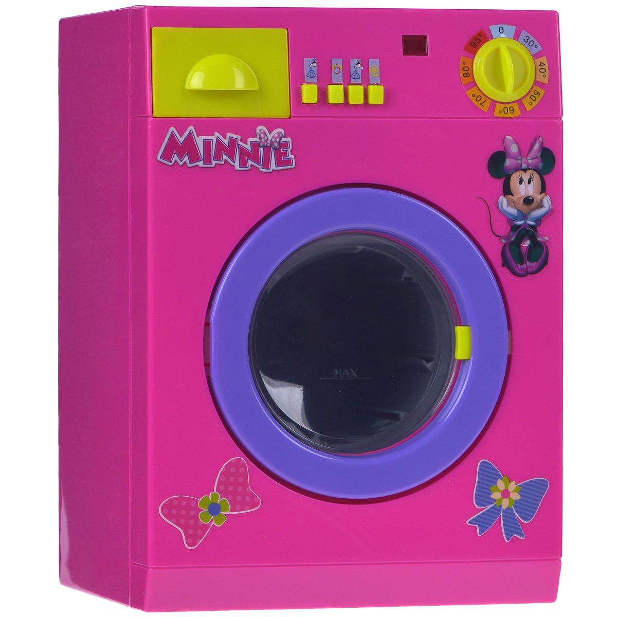 Simba Стиральная машина Minnie Mouse4765150Стиральная машина Minnie Mouse позволит вашей малышке почувствовать себя настоящей хозяйкой. Машинка выполнена из яркого безопасного пластика и оснащена звуковыми и световыми эффектами. На ее корпусе расположены 4 кнопки, лампочка и ручка, поворачивающаяся со звуком трещотки. Необходимо загрузить одежду в барабан машинки, налить воду в контейнер для порошка и выбрать нужный режим стирки. Нажатия кнопок сопровождают реалистичные звуки, имитирующие работу настоящей машинки, при этом мигает лампочка на ее корпусе. В конце стирки вода вытечет через шланг, который находится в задней части машинки. В комплект входят корзина для белья и картонная коробочка с порошком. Игра с машинкой развивает воображение вашего ребенка, повышает способность мыслить, создавать новые образы и фантазировать, способствует развитию социальных навыков, побуждает ребенка исследовать и понимать окружающий мир. Необходимо докупить 3 батарейки напряжением 1,5V типа С/LR14 (не входят в...