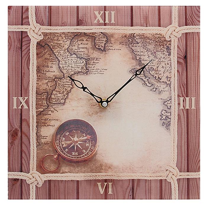 Часы настенные Компас. 2780627806Настенные часы квадратной формы Компас своим эксклюзивным дизайном подчеркнут оригинальность интерьера вашего дома. Часы выполнены из стекла и украшены изображением карты и компаса. Часы имеют две фигурные стрелки - часовую и минутную. Циферблат часов не защищен стеклом. Настенные часы Компас подходят для кухни, гостиной, прихожей или дачи, а также могут стать отличным подарком для друзей и близких. Часы работают от одной батарейки типа АА (не входят в комплект).
