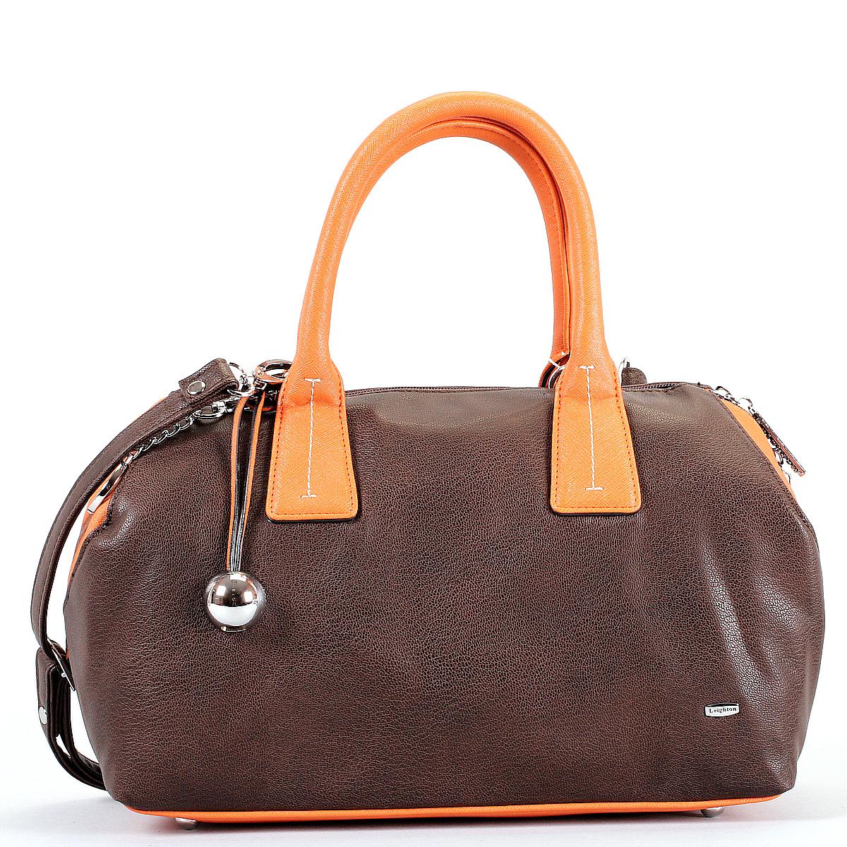 Сумка женская Leighton, цвет: коричневый, рыжий. 570329-3769570329-339/66/3769/17 кор/рыжОригинальная женская сумка Leighton выполнена из высококачественной искусственной кожи. Сумка имеет одно большое отделение и закрывается на застежку-молнию с двумя бегунками. Внутри вшитый карман на молнии, накладной карман на застежке-молнии, два накладных кармана для мелочей и мобильного телефона. На внешней стороне сумки расположен дополнительный карман на застежке-молнии. Сумка украшена подвеской и металлическим брелоком в виде логотипа фирмы. Подвеска - это ремешок из искусственной кожи с декоративным металлическим элементом на конце. Сумка оснащена двумя удобными ручками, съемным плечевым регулируемым ремнем и жестким основанием с четырьмя небольшими ножками. Классическое цветовое сочетание, стильный декор и модный дизайн сумочки Leighton - прекрасное дополнение к гардеробу модницы.