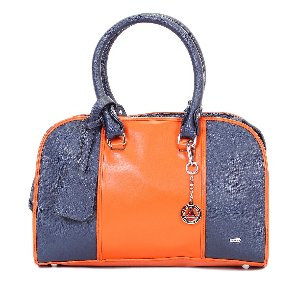 Сумка женская Leighton, цвет: синий, оранжевый. 570353-3769/4/1166/813570353-3769/4/1166/813Стильная сумка Leighton выполнена из искусственной кожи с фактурной поверхностью и оформлена вставками из кожи контрастного цвета. Сумка имеет одно отделение, закрывающееся на застежку-молнию. Внутри располагается вшитый карман на застежке-молнии, образующий дополнительное малое отделение, а также два открытых кармана для мелочей и один прорезной карман на молнии. На задней стороне сумки имеется прорезной карман на молнии. Сумка оснащена двумя удобными ручками. Фурнитура выполнена из серебристого металла. По желанию сумку можно оформить входящей в комплект металлической подвеской с логотипом производителя. В комплекте чехол для хранения и съемный плечевой ремень. Сумка Leighton - это практичный и модный аксессуар, который станет функциональным дополнением к любому стилю. Блестящий дизайн сумки, сочетающий классические формы с оригинальным оформлением, позволит вам подчеркнуть свою индивидуальность и сделает ваш образ изысканным и завершенным.
