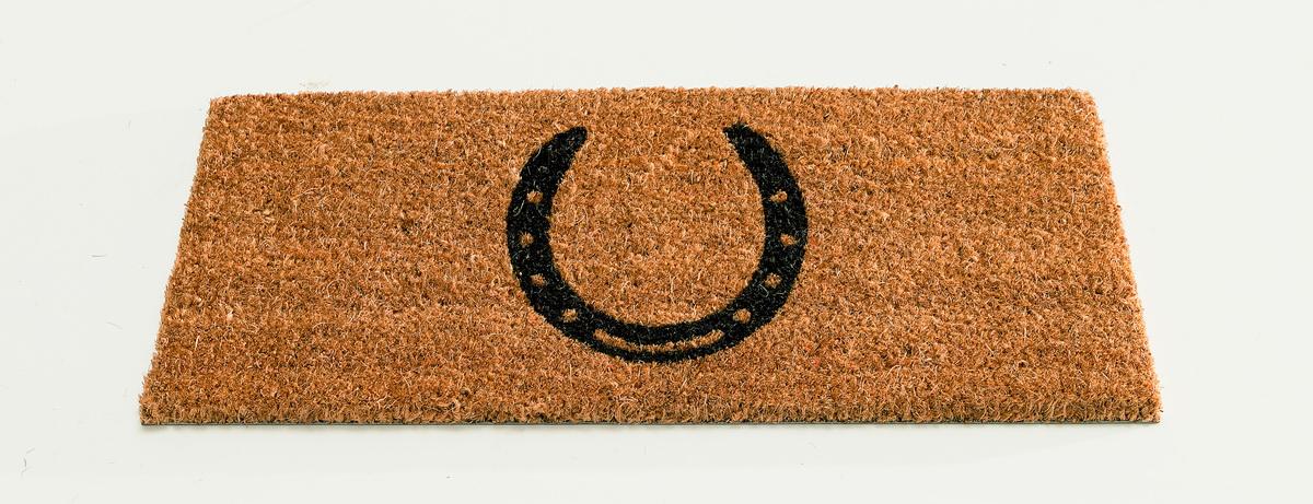 Коврик придверный Gardman Подкова, 23 х 53 см82487Придверный коврик Gardman Подкова изготовлен из кокосового волокна с основой из ПВХ. Имеет жесткий ворс. Можно использовать отдельно либо с рамкой на резиновой основе для сменных ковриков. Устойчив к любым погодным условиям. Отличается прочностью и долгим сроком службы.