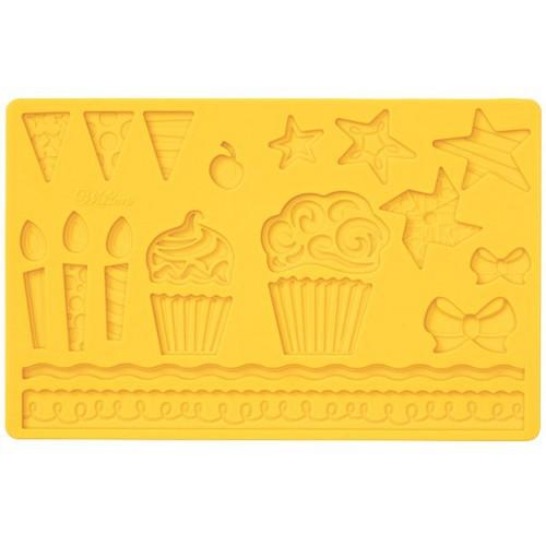 Молд для нанесения рисунка на мастику Wilton Детский праздник, цвет: желтый, 20 см х 12,5 смWLT-409-2553