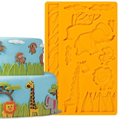 Молд для нанесения рисунка на мастику Wilton Джунгли, цвет: оранжевый, 20 х 12,5 смWLT-409-2558Молд для нанесения рисунка на мастику Wilton Джунгли, выполненный из силикона, поможет вам легко нанести рисунки на мастику и сахарную пасту для тортов и сладких угощений. Молд содержит формы в виде животных джунглей. Использование и хранение: Перед первым использованием и после каждого применения вымойте молд в мыльной воде или на верхней полке в посудомоечной машине. Хорошо высушите молд перед использованием. Полезные советы по использованию: - Для того, чтобы мастика или цветочная паста не прилипали к молду, посыпьте его сахарной пудрой или смажьте растительным жиром сахарную мастику прежде чем накладывать на нее молд, - При раскатывании сахарной мастики используйте скалку для того, чтобы вся мастика была в полостях молда, - Следуйте инструкциям по изготовлению украшений, разместите их на торте, высушите. Изготовление: Скатайте сахарную мастику в трубочку такого же размера, как и полость молда. Положите мастику в...