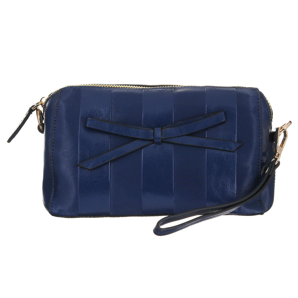 Сумка женская Fancys Bag, цвет: темно-синий. 1208612086-60Стильная женская сумочка Fancys Bag выполнена из натуральной высококачественной кожи с декоративным тиснением и с лицевой стороны декорирована очаровательным бантиком. Сумка имеет одно отделение, закрывающееся на металлическую застежку-молнию. Внутри - вшитый карман на застежке-молнии и два накладных открытых кармашка. Сумка оснащена съемным плечевым ремнем и ремешком для запястья. Сумка Fancys Bag подчеркнет вашу яркую индивидуальность и сделает образ завершенным.