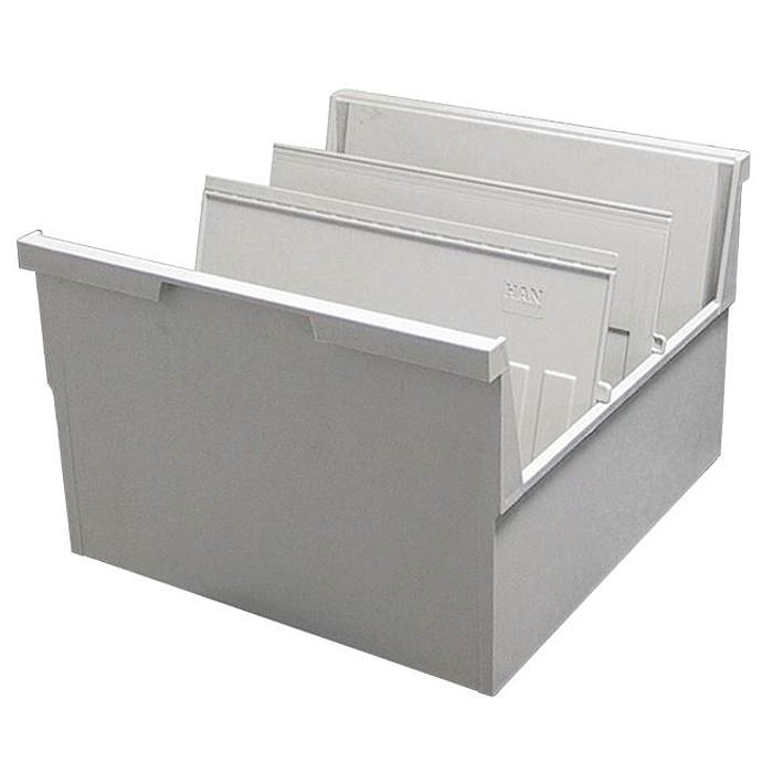 Лоток для бумаг горизонтальный HAN, цвет: светло-серый, формат А5. HA855-0/11HA855-0/11Горизонтальный лоток для бумаг HAN поможет вам навести порядок на столе и сэкономить пространство. Лоток подойдет для карточек формата А5 и меньше. Лоток состоит из 3 вместительных секций, и, благодаря оригинальному дизайну и классической форме, органично впишется в любой интерьер. В комплект входят 2 пластиковых съемных разделителя, всего лоток оснащен вырубками для 13 разделителей. Таким образом, можно изменять размер секций, что позволяет настроить лоток так, как будет удобно именно вам. Лоток изготовлен из антистатического ударопрочного пластика. Лоток имеет ножки, предотвращающие скольжение по столу и обеспечивающие необходимую устойчивость. Благодаря высоким бортикам, транспортировка лотка не составит труда, а документы не выпадут и не потеряются. Благодаря лотку для бумаг, важные бумаги и документы не потеряются и всегда будут под рукой.