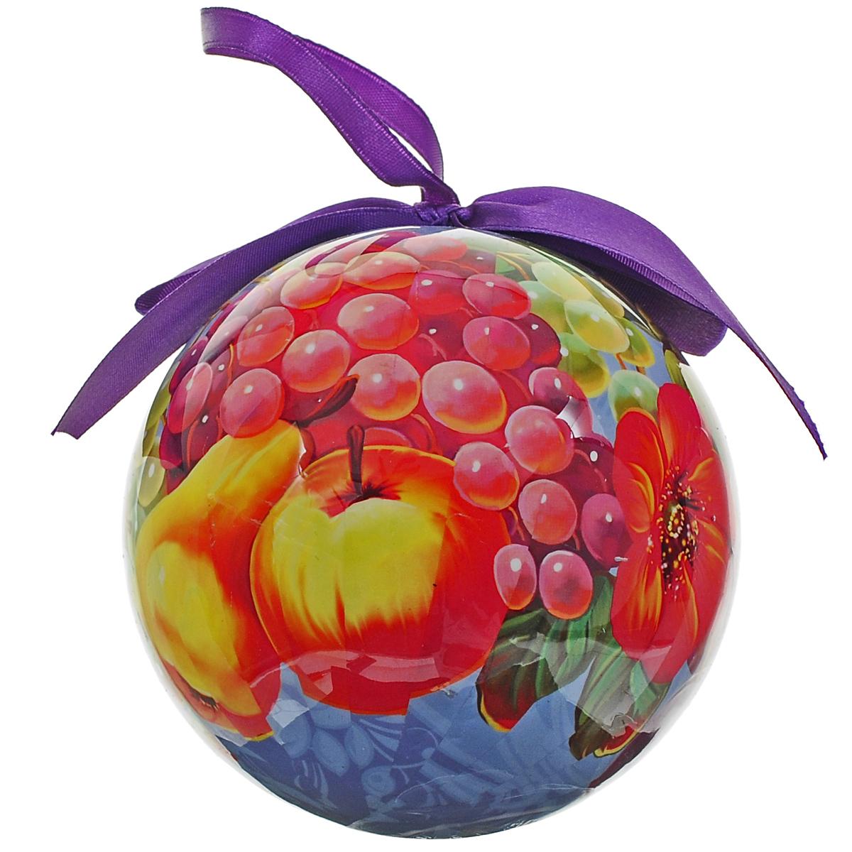 Новогоднее подвесное украшение Шар. Народные промыслы. 020345020345Новогоднее подвесное украшение Шар. Народные промыслы выполнено из высококачественного пластика и декорировано текстильным бантом и изображением цветов и фруктов. С помощью специальной петельки украшение можно повесить в любом понравившемся вам месте. Но, конечно, удачнее всего такой шар будет смотреться на праздничной елке. Елочная игрушка - символ Нового года. Она несет в себе волшебство и красоту праздника. Создайте в своем доме атмосферу веселья и радости, украшая новогоднюю елку нарядными игрушками, которые будут из года в год накапливать теплоту воспоминаний.