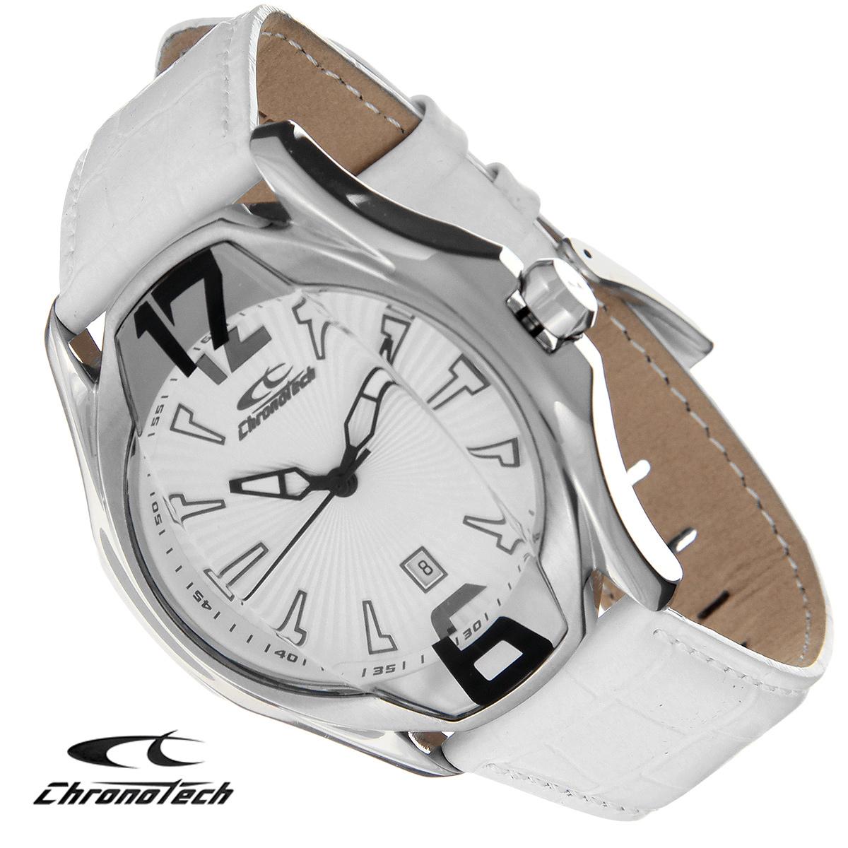 Часы мужские наручные Chronotech, цвет: серебристый, белый. RW0030RW0030Часы Chronotech - это часы для современных и стильных людей, которые стремятся выделиться из толпы и подчеркнуть свою индивидуальность. Корпус часов выполнен из нержавеющей стали. Циферблат оформлен арабскими цифрами и отметками и защищен минеральным стеклом. Часы имеют три стрелки - часовую, минутную и секундную. Часы имеют индикатор даты. Стрелки светятся в темноте. Ремешок часов выполнен из натуральной кожи с тиснением и застегивается на классическую застежку. Часы упакованы в фирменную коробку с логотипом компании Chronotech. Такой аксессуар добавит вашему образу стиля и подчеркнет безупречный вкус своего владельца. Характеристики: Диаметр циферблата: 3,5 см. Размер корпуса: 4,4 см х 5 см х 1,3 см. Длина ремешка (с корпусом): 26 см. Ширина ремешка: 2 см.