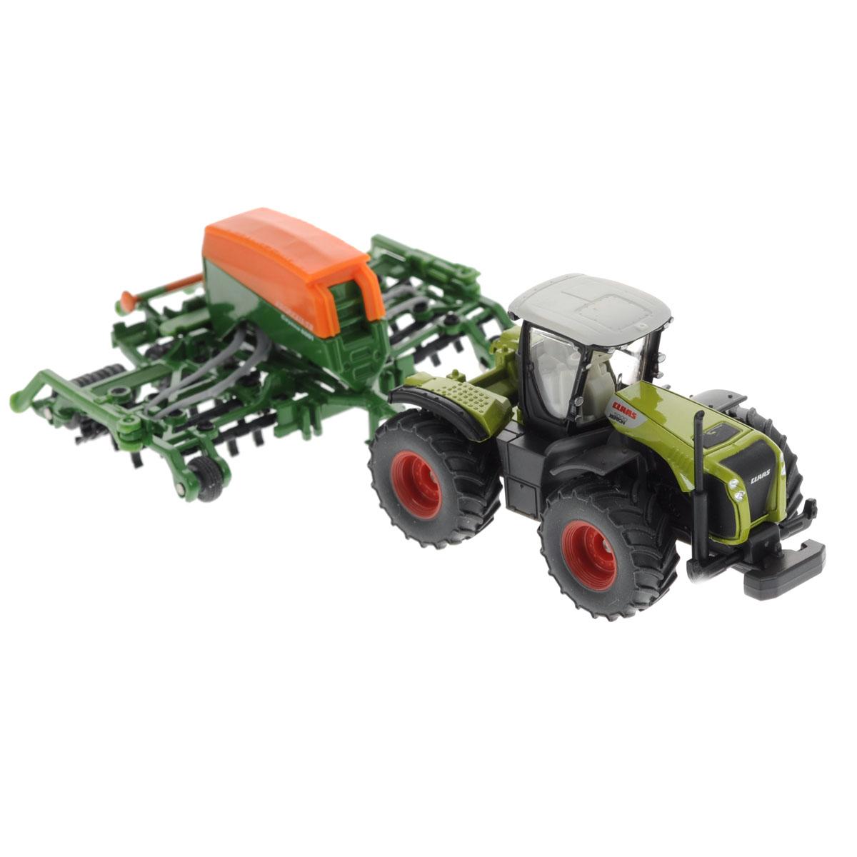 Siku Трактор Claas Xerion с сеялкой Amazone Cayenna 60011826оллекционная модель Siku Трактор с сеялкой выполнена в виде точной копии трактора с сеялкой в масштабе 1/87. Такая модель понравится не только ребенку, но и взрослому коллекционеру и приятно удивит вас высочайшим качеством исполнения. Корпус трактора и сеялки выполнены из металла, кузов сеялки и кабина трактора из пластика, а стекла кабины трактора из прозрачного пластика. Агрегаты сеялки могут опускаться и подниматься для работы на полях. Мощные гусеницы и шины делают модель максимально реалистичной. Сеялка прицепляется к трактору с помощью дополнительного прицепа с седельным сцепным устройством. Кабина трактора снимается. Верхняя крышка сеялки снимается. Колесики модели вращаются. Коллекционная модель отличается великолепным качеством исполнения и детальной проработкой, она станет не только интересной игрушкой для ребенка, интересующегося агротехникой, но и займет достойное место в коллекции.