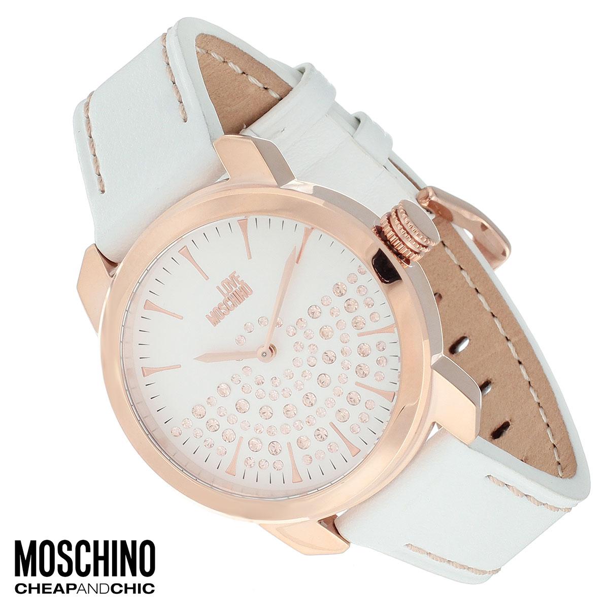 Часы женские наручные Moschino, цвет: белый, золотистый. MW0443MW0443Наручные часы от известного итальянского бренда Moschino - это не только стильный и функциональный аксессуар, но и современные технологи, сочетающиеся с экстравагантным дизайном и индивидуальностью. Часы Moschino оснащены кварцевым механизмом. Корпус выполнен из высококачественной нержавеющей стали с PVD-покрытием. Циферблат с отметками, оформлен стразами и надписью Love Moschino и защищен минеральным стеклом. Часы имеют две стрелки - часовую и минутную. Ремешок часов выполнен из натуральной кожи и имеет классическую застежку. Часы упакованы в фирменную металлическую коробку с логотипом бренда. Часы Moschino благодаря своему уникальному дизайну отличаются от часов других марок своеобразными циферблатами, функциональностью, а также набором уникальных технических свойств. Каждой модели присуща легкая экстравагантность, самобытность и, безусловно, великолепный вкус. Характеристики: Диаметр циферблата: 3,2 см. Размер...