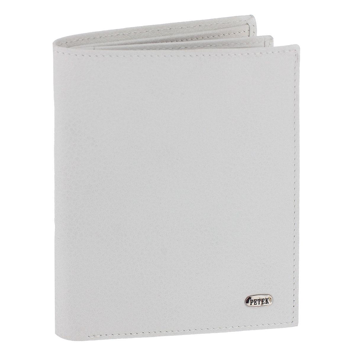 Портмоне Petek, цвет: белый. 327.046.00327.046.00 WhiteСтильное портмоне Petek изготовлено из высококачественной натуральной кожи с фактурной поверхностью. Внутри - отделение для купюр, четыре кармана для чеков и мелких бумаг, девять кармашков для кредитных карт и визиток и два кармана с сетчатыми вставками для фотографий. Стильное и практичное портмоне Petek идеально подчеркнет ваш образ. Упаковано в фирменную картонную коробку с логотипом брэнда.