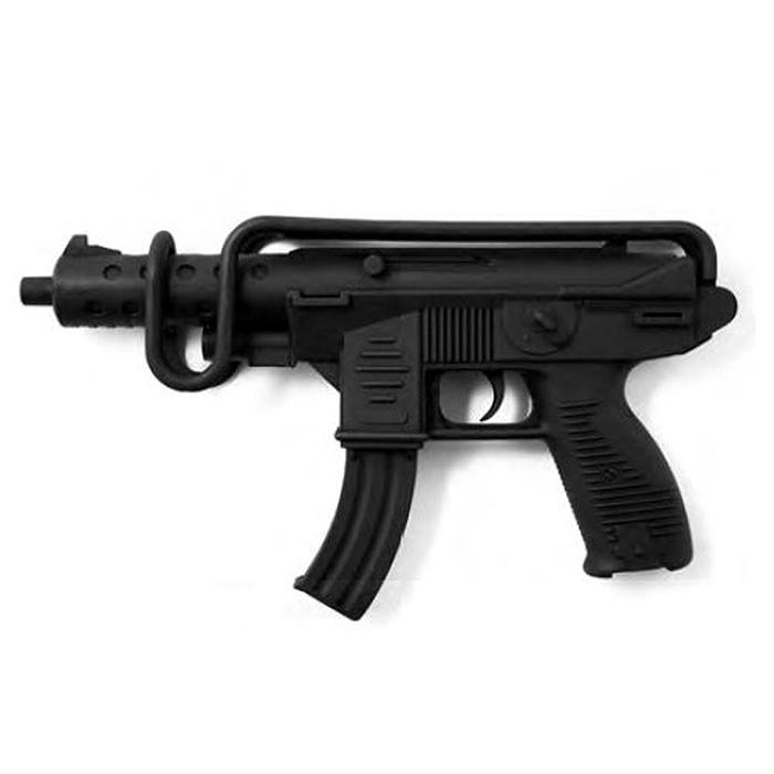 Автомат Uzimatic, с пистонами0266/60Автомат Uzimatic приведет в восторг любого малыша, увлеченного романтикой военных операций и оживленных полицейских погонь. Он идеально подойдет для детских игр в отважных защитников правопорядка и дерзких бандитов. Игрушка выполнена из прочного безопасного пластика и представляет собой реалистичную модель современного автомата. Автомат имеет мягкое прорезиненное покрытие, делающее его приятным на ощупь и удобным для захвата. Автомат отлично стреляет, а эргономичный приклад обеспечивает удобство во время игры. Емкость магазина: 13 пистонов. В комплект входят 26 пистонов. Этот автомат непременно придется по вкусу вашему ребенку, он сможет часами играть с ним, придумывая различные истории и разыгрывая сцены из любимых фильмов. Такие игры помогут малышу развить социальные и коммуникативные навыки, воображение, крупную и мелкую моторику. Порадуйте своего ребенка таким замечательным подарком!