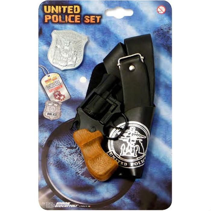 Edison Игровой набор United Police Set0531/26При помощи набора United Police Set ваш мальчик сможет не просто задерживать и обезоруживать бандитов, но также быть примером для друзей и героем в детском игровом мире. Он идеально подойдет для детских игр в отважных защитников правопорядка и дерзких бандитов. Игрушка выполнена из прочного безопасного пластика, и представляет собой реалистичную модель современного пистолета. Пистолет отлично стреляет, а удобная рукоять плотно ложится в руку. В комплект также входит кобура для пистолета и жетон полицейского. Этот игровой набор непременно придется по вкусу вашему ребенку, он сможет часами играть с ним, придумывая различные истории и разыгрывая сцены из любимых фильмов. Такие игры помогут малышу развить социальные и коммуникативные навыки, воображение, крупную и мелкую моторику. Порадуйте своего ребенка таким замечательным подарком!