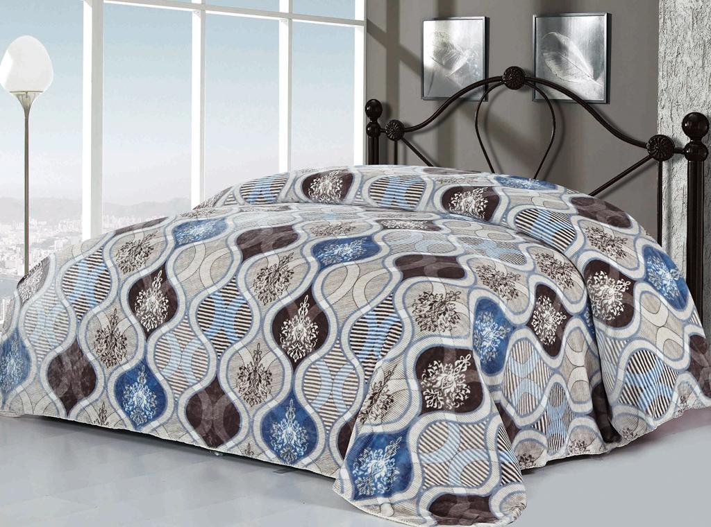 Плед SL, цвет: серый, белый, голубой, 200 см х 220 см. 1021410214Изысканный флисовый плед SL гармонично впишется в интерьер вашего дома и создаст атмосферу уюта и комфорта. Плед выполнен из высококачественного флиса и оформлен роскошным орнаментом. Флис - мягкий, теплый, приятный на ощупь материал с бархатистой текстурой, который обладает высокой износостойкостью и долговечностью. Такой плед согреет в прохладную погоду и будет превосходно дополнять интерьер вашей спальни. Высочайшее качество материала гарантирует безопасность не только взрослых, но и самых маленьких членов семьи. Плед поможет подчеркнуть любой стиль интерьера, задать ему нужный тон - от игривого до ностальгического. Плед - это такой подарок, который будет всегда актуален, особенно для ваших родных и близких, ведь вы дарите им частичку своего тепла! Soft Line предлагает широкий ассортимент высококачественного домашнего текстиля разных направлений и стилей. Это и постельное белье из тканей различных фактур и орнаментов, а также мягкие теплые пледы,...