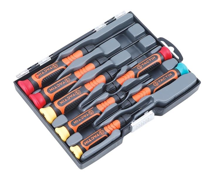 Набор инструментов Tactix, 7 предметов545231Набор отверток Tactix предназначен для работы с мелкими деталями. Отвертки оснащены обрезиненными рукоятками, обеспечивающими удобство при работе. Инструменты изготовлены из хромованадиевой стали. Состав набора: Отвертки крестовые: PH00, PH0, PH1. Отвертки плоские: 1,6 мм, 2,4 мм, 3 мм. Отвертки Torx: T6.