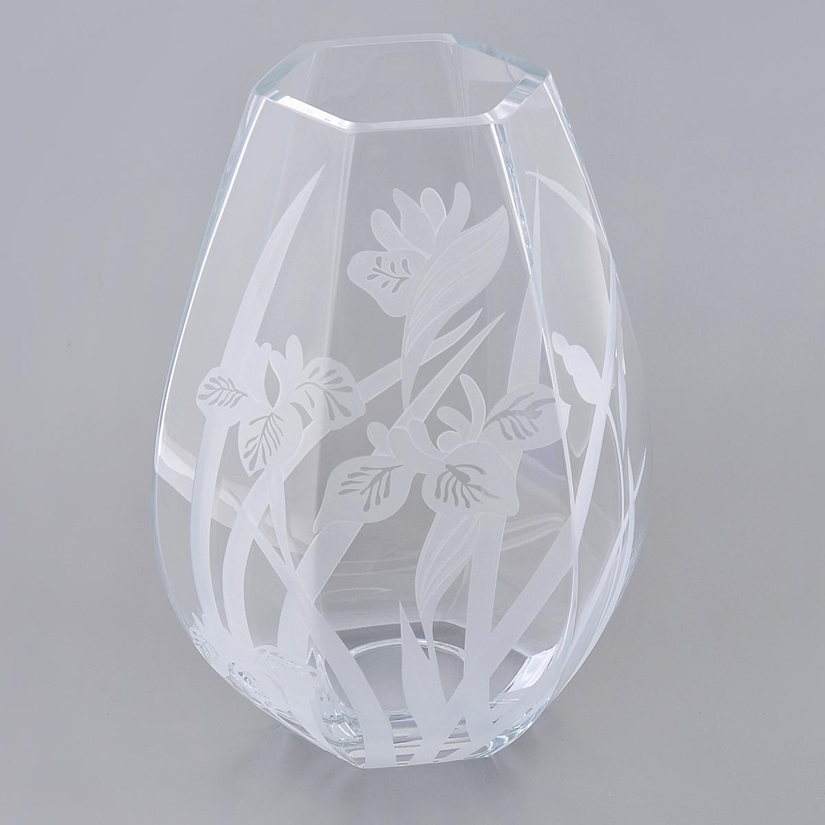 Ваза Deco Glass Ирисы, высота 25 смD04392/0250/E525ALВаза Deco Glass выполнена из прозрачного стекла с гравировкой в виде ирисов. Вы можете поставить вазу в любом месте, где она будет удачно смотреться и радовать глаз. Такая ваза прекрасно дополнит интерьер офиса или дома. Размер основания: 9,5 см х 8,5 см. Высота вазы: 25 см.
