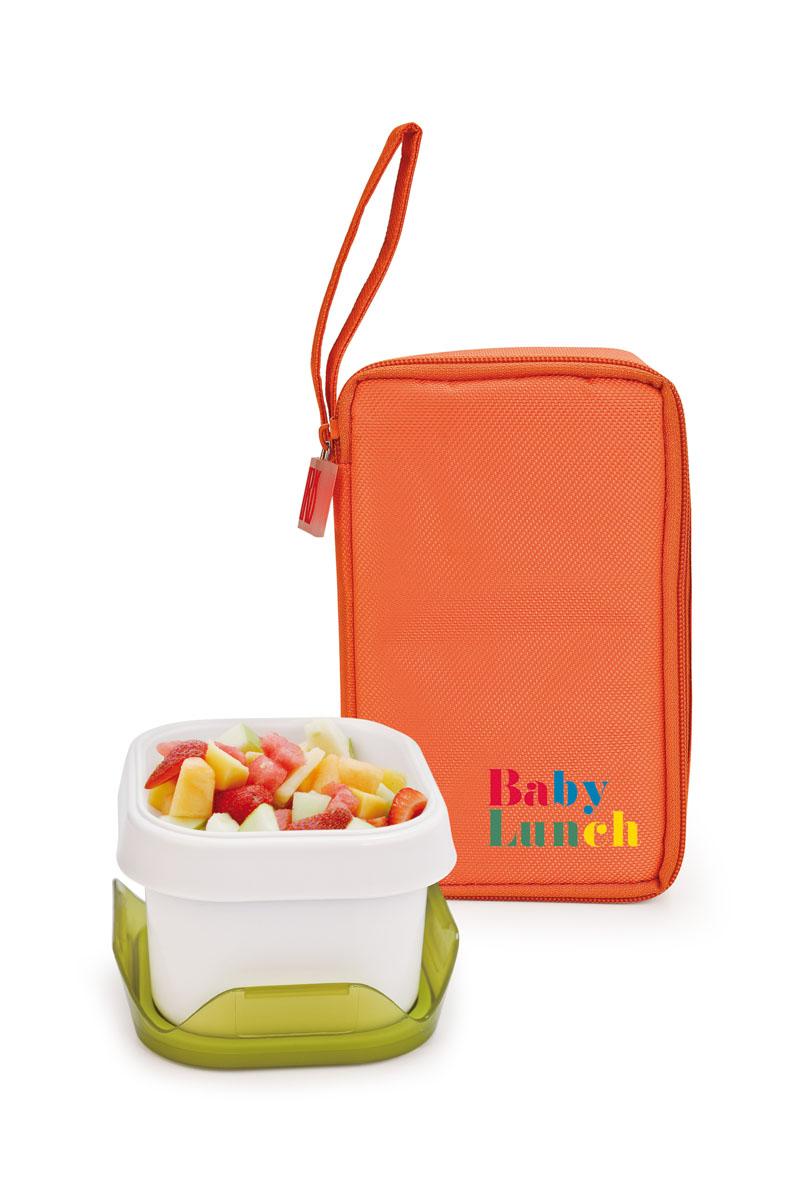 IRIS ТермоЛанчбокс BABY LUNCH (+1 контейнер 450мл в комплекте)/ Оранжевый9694-TИзотермическая сумка-ланчбокс – идеальное решение, чтобы взять с собой обед для вашего ребенка. Ее можно взять с собой куда угодно: на учебу, на прогулку или в путешествие. В течение нескольких часов ланчбокс сохранит еду свежей и вкусной. Есть ручка для переноски в одной руке. В комплект входит: - 1 герметичный контейнер 0,45 л с прозрачной крышкой Контейнер в комплекте подходит для использования в морозильнике, микроволновой печи. Можно мыть в посудомоечной машине. Также в ланчбоксе предусмотрено место для йогурта, крекеров или фруктов. Не содержит Бисфенола А.
