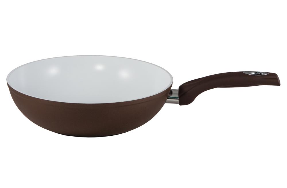 Сковорода-вок Bialetti, с керамическим покрытием, цвет: коричневый. Диаметр 28 смBL 211 BСковорода-вок Bialetti изготовлена из тяжело анодированного алюминия - металла прочнее стали, который обладает отличными антипригарными свойствами и высокой теплопроводностью. Вам потребуется меньше времени и меньший температурный режим для готовки, т.к. эко посуда нагревается быстрее и сильнее, чем традиционная. При производстве посуды Bialetti не используются опасные для окружающей среды компоненты (такие как PFOA), имеющие длительный период распада. Особо прочное керамическое покрытие Aeternum предотвращает пригорание пищи и обеспечивает ее легкое приготовление. Кроме того, покрытие обладает жиро- и водоотталкивающими свойствами, поэтому легко чистится. Удобная ручка выполнена из бакелита с прорезиненным покрытием. Внешние стенки покрыты жаропрочной эмалью коричневого цвета. Самым неожиданным станут впечатления от цвета посуды - пожарьте мясо или картошку на белоснежной керамической сковороде хоть один раз, и вы больше не сможете есть продукты, приготовленные на...
