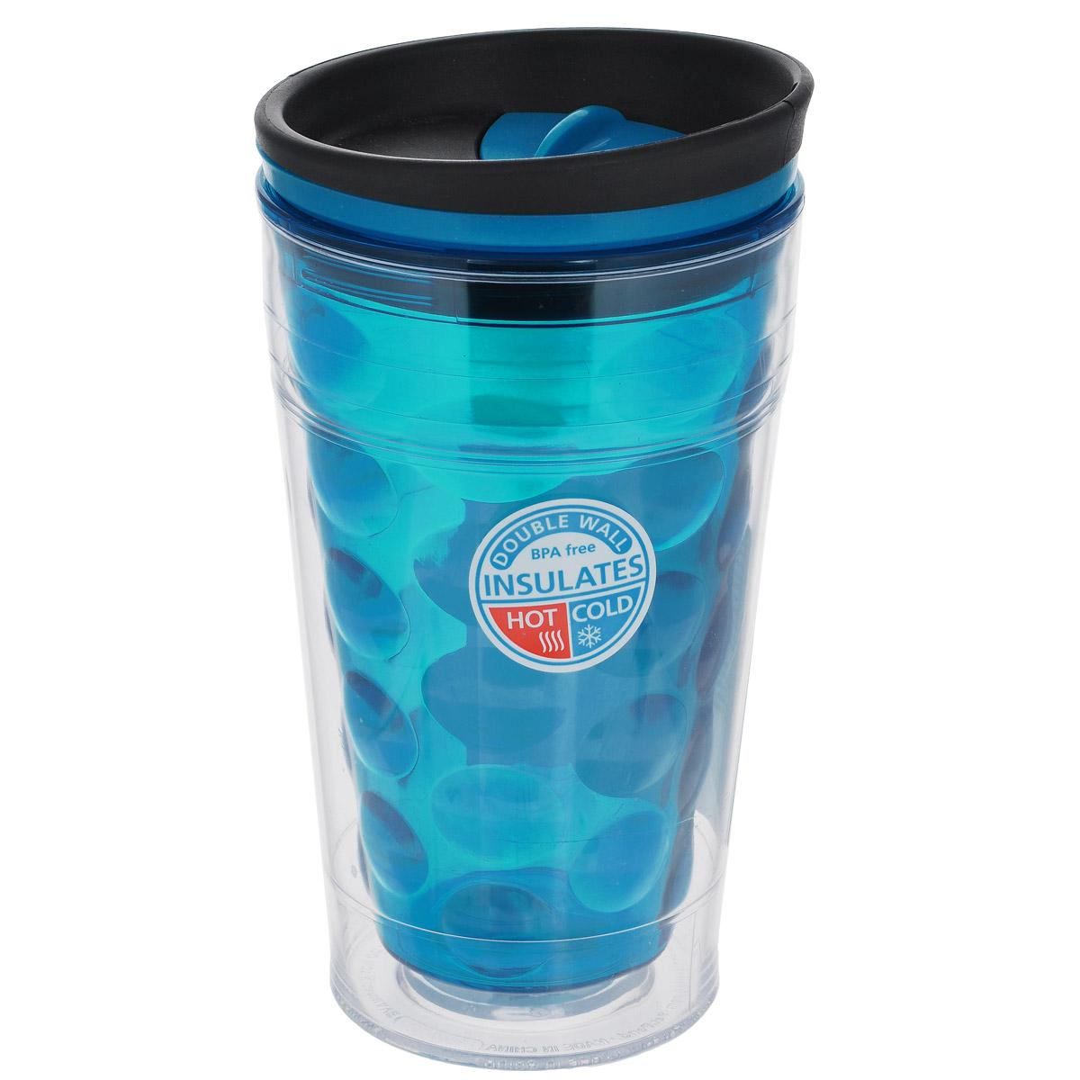 Кружка дорожная Cool Gear Eco 2 Go Bubble Coffee для горячих напитков, цвет: синий, 480 мл. 16691669Дорожная кружка Cool Gear Eco 2 Go Bubble Coffee изготовлена из высококачественного BPA-free пластика, не содержащего токсичных веществ. Двойные стенки дольше сохраняют напиток горячим и не обжигают руки. Внутренняя колба с рельефом в виде пузырьков сделает кружку уникальной деталью вашего имиджа. Надежная закручивающаяся крышка с защитой от проливания обеспечит дополнительную безопасность. Оптимальный объем позволяет легко поместить кружку в автомобильный подстаканник, дорожную сумку или рюкзак. Кружка идеальна для ежедневного использования. На лыжной прогулке, пикнике или за рулем горячий напиток всегда под рукой! Кружка также подойдет для холодных напитков. Не рекомендуется использовать в микроволновой печи и мыть в посудомоечной машине. Cool Gear - мировой лидер в сфере производства товаров для питья, продукция которого пользуется огромной популярностью по всему миру! Ассортимент компании включает более 120 видов бутылок для питья и дорожных...