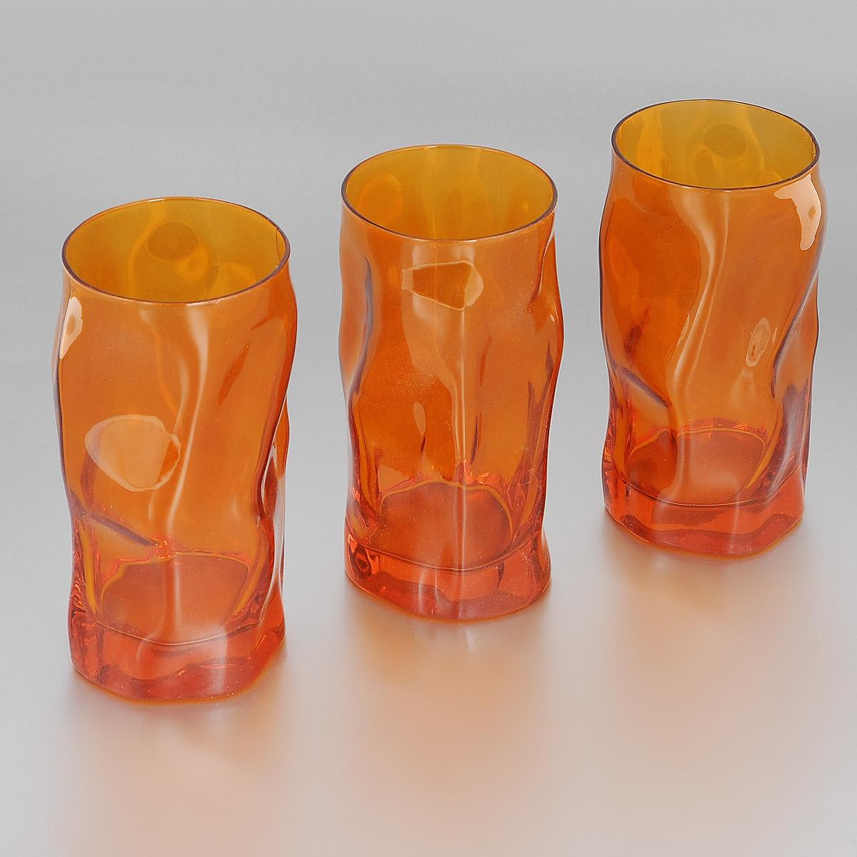 Набор стаканов Bormioli Rocco Sorgente Multicolor, цвет: оранжевый, 460 мл, 3 шт340360Q01021590Набор Bormioli Rocco Sorgente Multicolor, выполненный из стекла, состоит из 3 высоких стаканов. Стаканы предназначены для подачи холодных напитков. Изделия имеют оригинальный дизайн и толстое дно. Благодаря такому набору пить напитки будет еще вкуснее. Стаканы Bormioli Rocco Sorgente Multicolor станут идеальным украшением праздничного стола и отличным подарком к любому празднику. С 1825 года компания Bormioli Rocco производит высококачественную посуду из стекла. На сегодняшний день это мировой лидер на рынке производства стеклянных изделий. Ассортимент, предлагаемый Bormioli Rocco необычайно широк - это бокалы, фужеры, рюмки, графины, кувшины, банки для сыпучих продуктов и консервирования, тарелки, салатники, чашки, контейнеры различных емкостей, предназначенные для хранения продуктов в холодильниках и морозильных камерах и т.д. Стекло сочетает в себе передовые технологии и традиционно высокое качество.