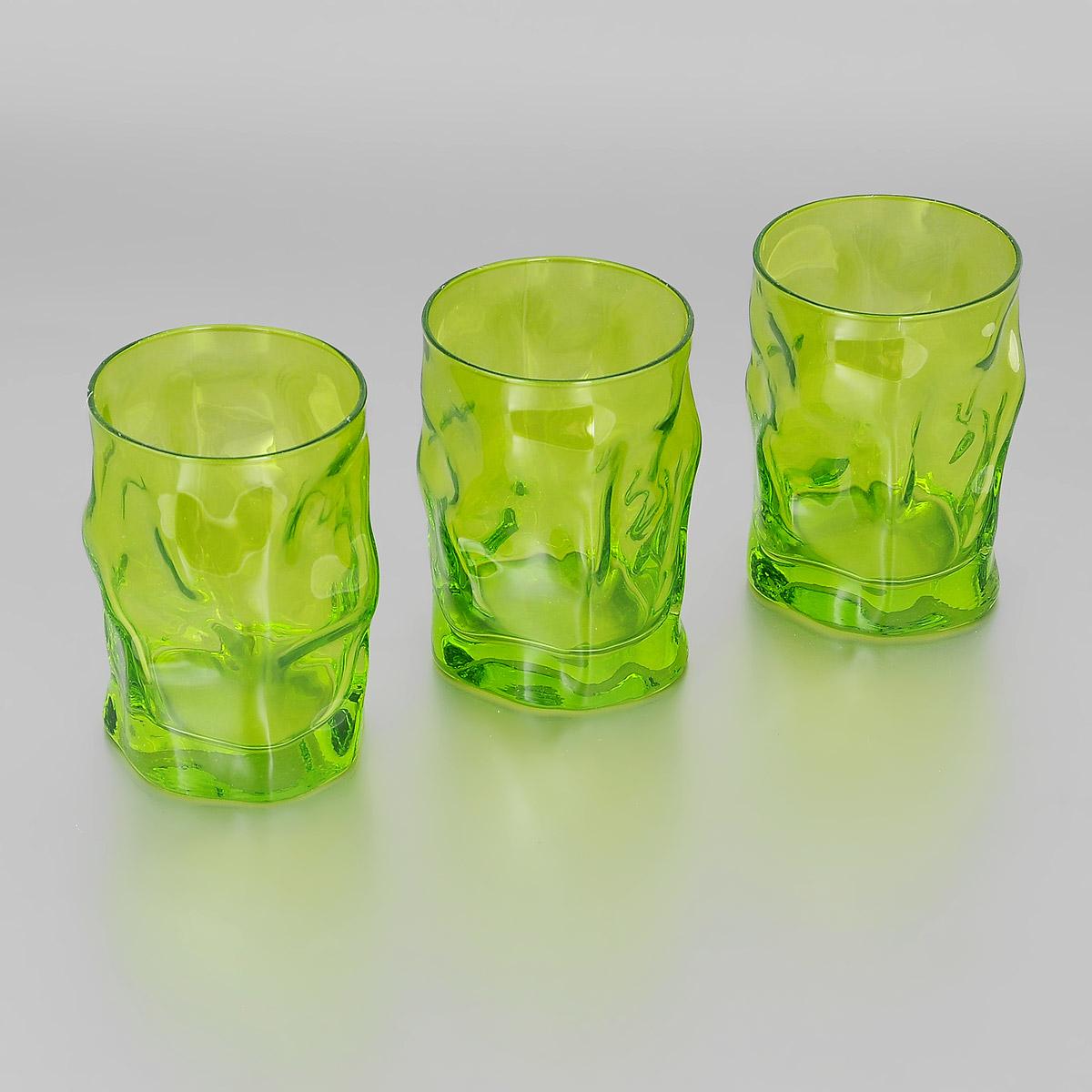 Набор стаканов Bormioli Rocco Sorgente Multicolor, цвет: зеленый, 300 мл, 3 шт340420Q04021591Набор Bormioli Rocco Sorgente Multicolor, выполненный из стекла, состоит из 3 низких стаканов. Стаканы предназначены для подачи холодных напитков. Изделия имеют оригинальный дизайн и толстое дно. Благодаря такому набору пить напитки будет еще вкуснее. Стаканы Bormioli Rocco Sorgente Multicolor станут идеальным украшением праздничного стола и отличным подарком к любому празднику. С 1825 года компания Bormioli Rocco производит высококачественную посуду из стекла. На сегодняшний день это мировой лидер на рынке производства стеклянных изделий. Ассортимент, предлагаемый Bormioli Rocco необычайно широк - это бокалы, фужеры, рюмки, графины, кувшины, банки для сыпучих продуктов и консервирования, тарелки, салатники, чашки, контейнеры различных емкостей, предназначенные для хранения продуктов в холодильниках и морозильных камерах и т.д. Стекло сочетает в себе передовые технологии и традиционно высокое качество.