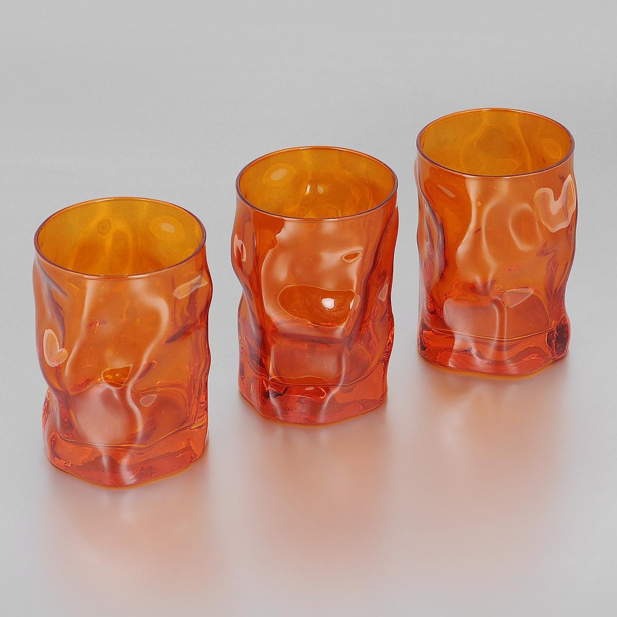 Набор стаканов Bormioli Rocco Sorgente Multicolor, цвет: оранжевый, 300 мл, 3 шт340420Q04021590Набор Bormioli Rocco Sorgente Multicolor, выполненный из стекла, состоит из 3 низких стаканов. Стаканы предназначены для подачи холодных напитков. Изделия имеют оригинальный дизайн и толстое дно. Благодаря такому набору пить напитки будет еще вкуснее. Стаканы Bormioli Rocco Sorgente Multicolor станут идеальным украшением праздничного стола и отличным подарком к любому празднику. С 1825 года компания Bormioli Rocco производит высококачественную посуду из стекла. На сегодняшний день это мировой лидер на рынке производства стеклянных изделий. Ассортимент, предлагаемый Bormioli Rocco необычайно широк - это бокалы, фужеры, рюмки, графины, кувшины, банки для сыпучих продуктов и консервирования, тарелки, салатники, чашки, контейнеры различных емкостей, предназначенные для хранения продуктов в холодильниках и морозильных камерах и т.д. Стекло сочетает в себе передовые технологии и традиционно высокое качество.