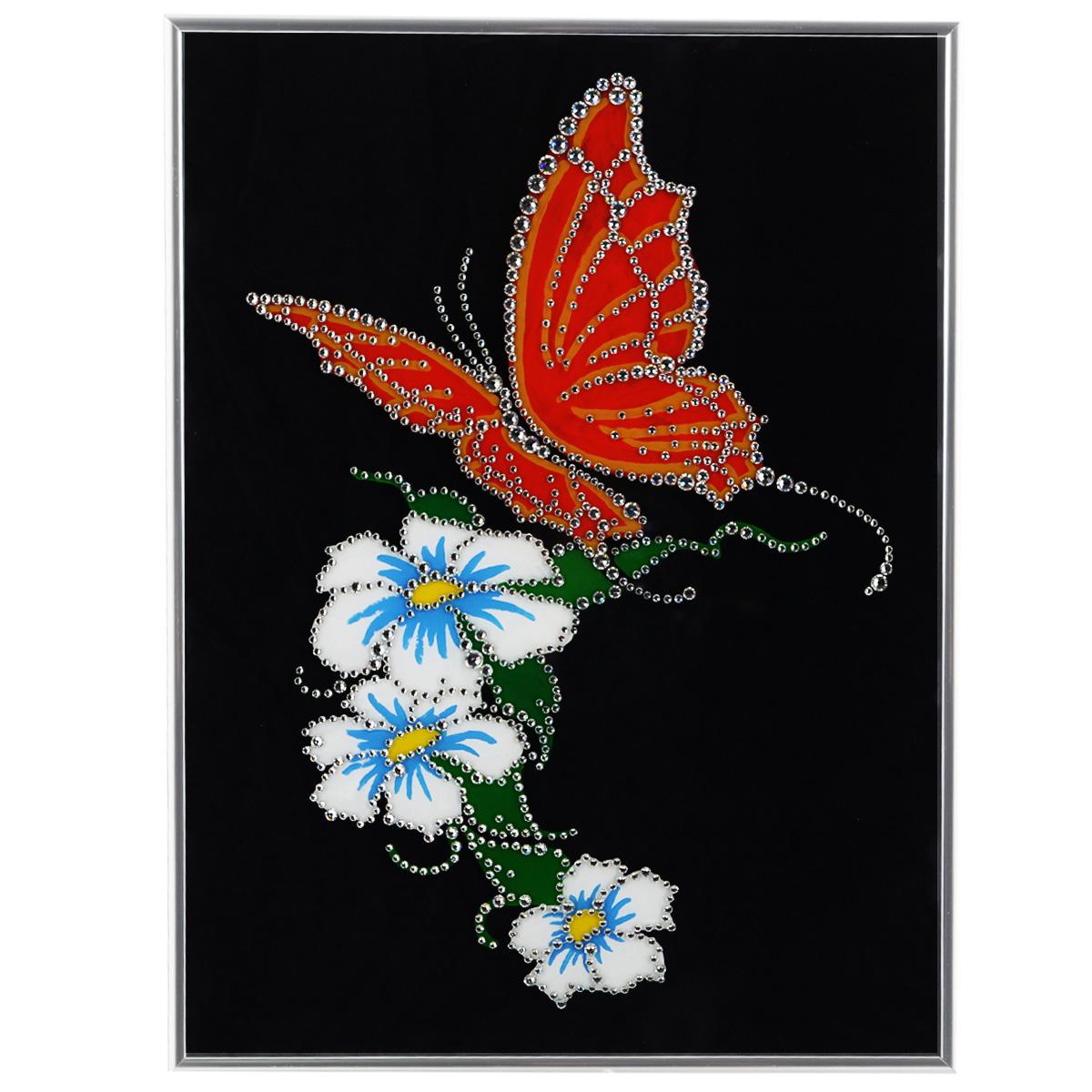 Картина с кристаллами Swarovski Бабочка, 30 х 40 см1055Изящная картина в металлической раме, инкрустирована кристаллами Swarovski, которые отличаются четкой и ровной огранкой, ярким блеском и чистотой цвета. Красочное изображение цветов и бабочки, расположенное под стеклом, прекрасно дополняет блеск кристаллов. С обратной стороны имеется металлическая петелька для размещения картины на стене. Картина с кристаллами Swarovski Бабочка элегантно украсит интерьер дома или офиса, а также станет прекрасным подарком, который обязательно понравится получателю. Блеск кристаллов в интерьере, что может быть сказочнее и удивительнее. Картина упакована в подарочную картонную коробку синего цвета и комплектуется сертификатом соответствия Swarovski.