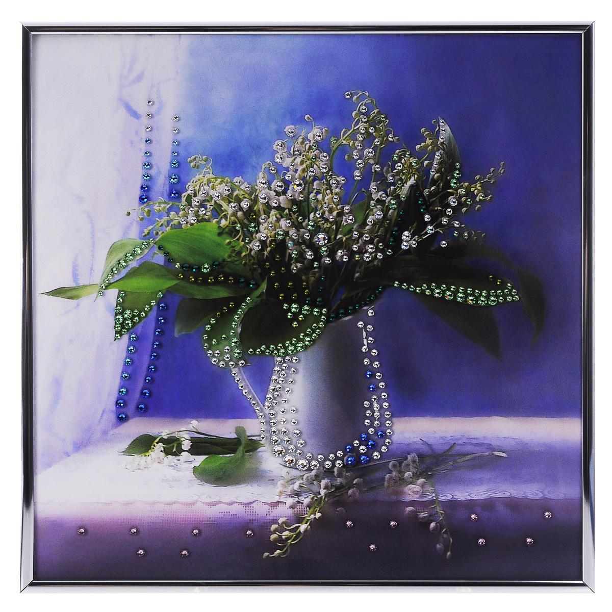 Картина с кристаллами Swarovski Ландыши, 30 см х 30 см1192Изящная картина в металлической раме, инкрустирована кристаллами Swarovski, которые отличаются четкой и ровной огранкой, ярким блеском и чистотой цвета. С обратной стороны имеется металлическая петелька для размещения картины на стене. Картина с кристаллами Swarovski элегантно украсит интерьер дома или офиса, а также станет прекрасным подарком, который обязательно понравится получателю. Блеск кристаллов в интерьере, что может быть сказочнее и удивительнее. Картина упакована в подарочную картонную коробку синего цвета и комплектуется сертификатом соответствия Swarovski.