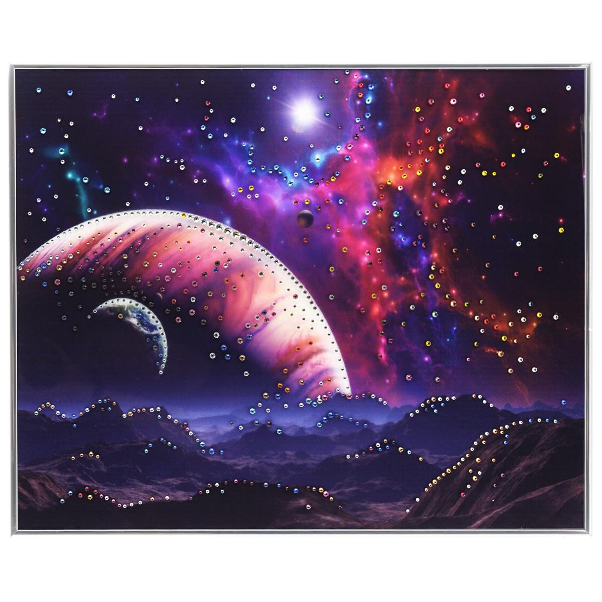 Картина с кристаллами Swarovski Рождение звезды, 50 х 40 см1260Изящная картина в металлической раме, инкрустирована кристаллами Swarovski, которые отличаются четкой и ровной огранкой, ярким блеском и чистотой цвета. Красочное изображение космоса, расположенное под стеклом, прекрасно дополняет блеск кристаллов. С обратной стороны имеется металлическая петелька для размещения картины на стене. Картина с кристаллами Swarovski Рождение звезды элегантно украсит интерьер дома или офиса, а также станет прекрасным подарком, который обязательно понравится получателю. Блеск кристаллов в интерьере, что может быть сказочнее и удивительнее. Картина упакована в подарочную картонную коробку синего цвета и комплектуется сертификатом соответствия Swarovski.