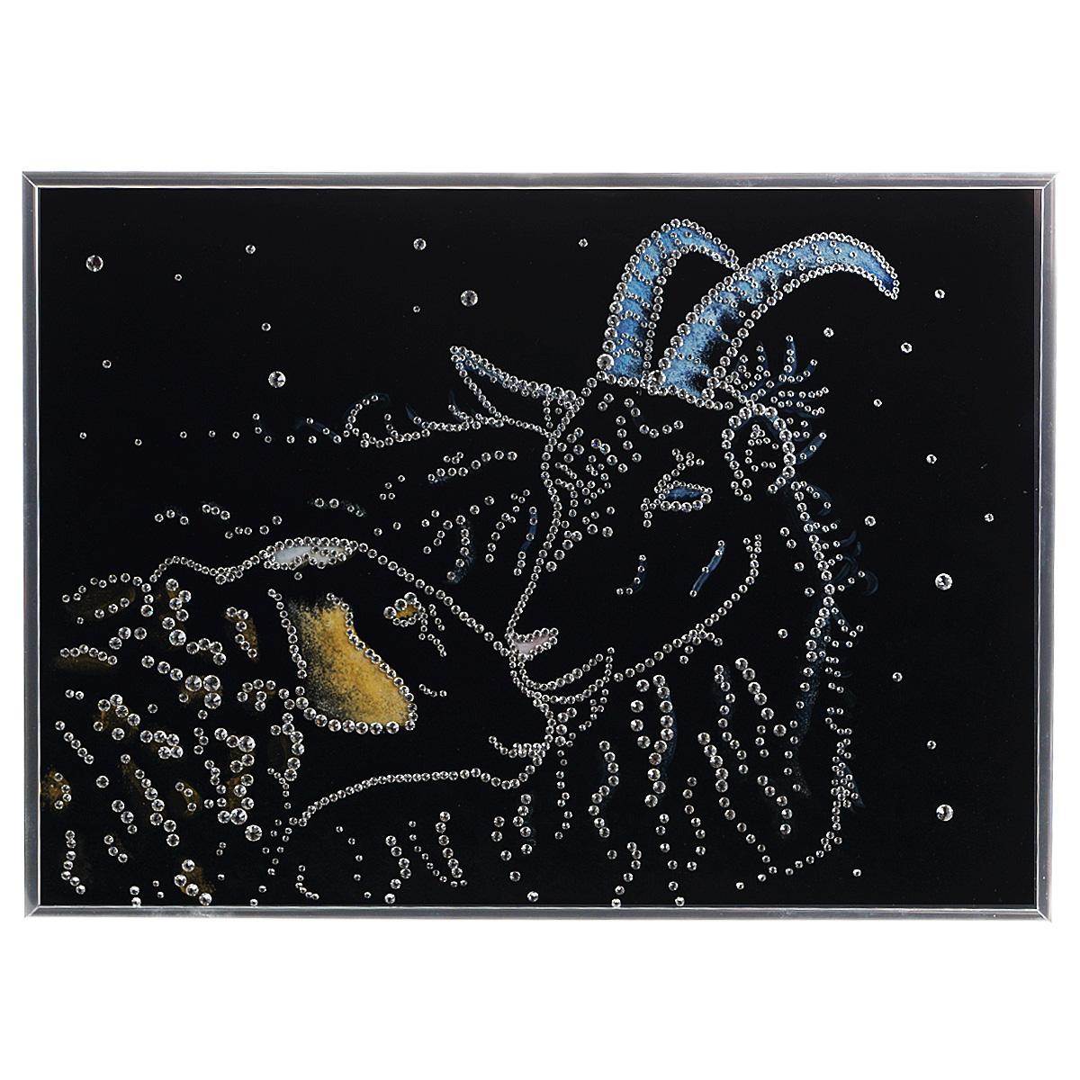 Картина с кристаллами Swarovski Овечка и козел, 40 см х 30 см1470Изящная картина в алюминиевой раме Овечка и козел инкрустирована кристаллами Swarovski, которые отличаются четкой и ровной огранкой, ярким блеском и чистотой цвета. Идеально подобранная палитра кристаллов прекрасно дополняет картину. С задней стороны изделие оснащено специальной металлической петелькой для размещения на стене. Картина с кристаллами Swarovski элегантно украсит интерьер дома, а также станет прекрасным подарком, который обязательно понравится получателю. Блеск кристаллов в интерьере - что может быть сказочнее и удивительнее. Изделие упаковано в подарочную картонную коробку синего цвета и комплектуется сертификатом соответствия Swarovski.