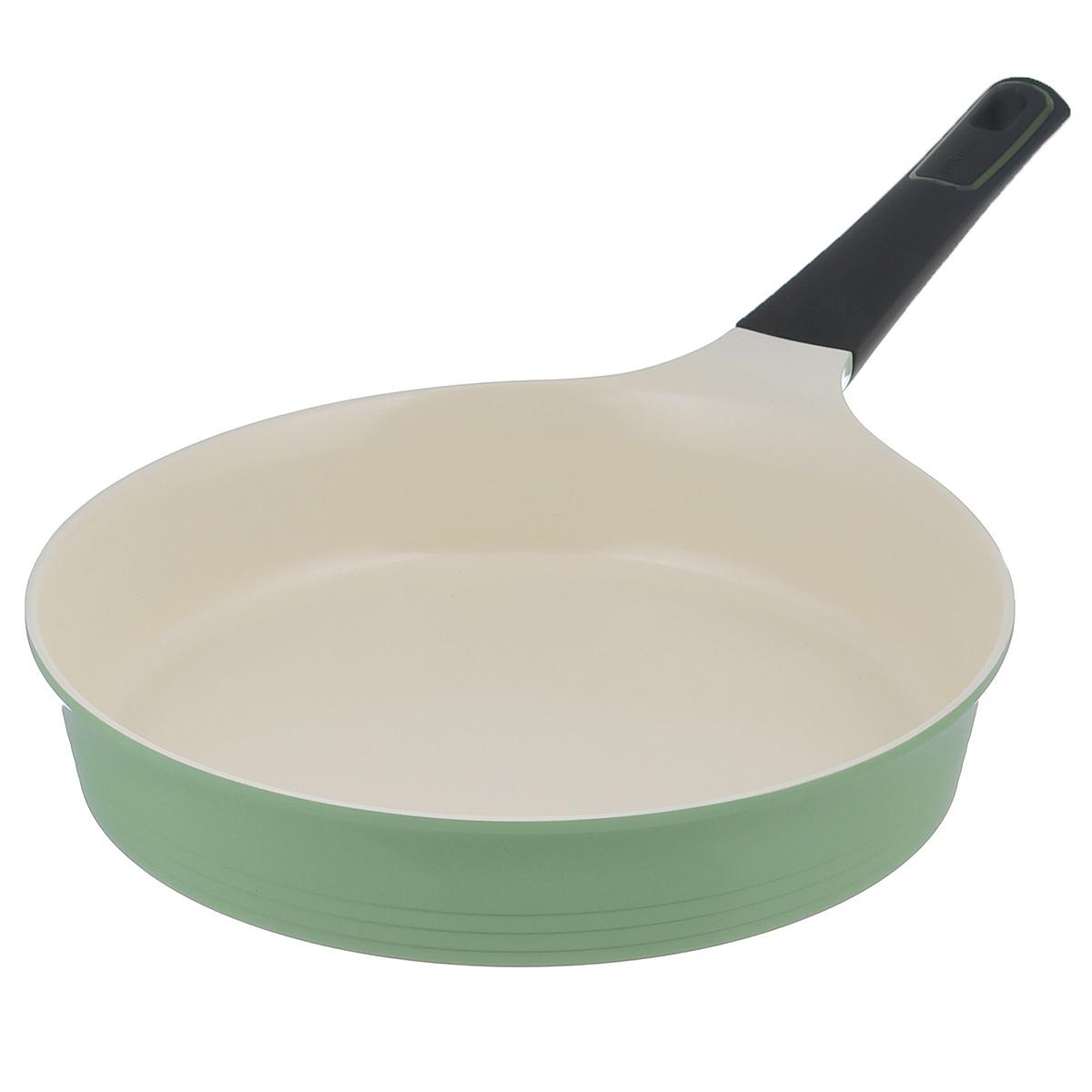 Сковорода Frybest Evergreen, с керамическим покрытием, цвет: зеленый. Диаметр 28 см00000002743Сковорода Frybest Evergreen выполнена из литого алюминия с инновационным керамическим покрытием Ecolon, в производстве которого используются природные материалы - камни и песок. Особенности сковороды Frybest Evergreen: - мощная основа из литого алюминия, специальное утолщенное дно для идеальной теплопроводности, - эргономичная, удлиненная Soft-touch ручка всегда остается холодной, - керамическое антипригарное покрытие, позволяющее готовить практически без масла, - керамика как внутри, так и снаружи, легко готовить - легко мыть, - непревзойдненная прочность и устойчивость к царапинам, - слой анионов (отрицательно заряженных ионов), обладающих антибактериальными свойствами, они намоного дольше сохраняют приготовленную пищу свежей, - отсутствие токсичных выделений в процессе приготовления пищи, - изысканное сочетание зеленого внешнего и нежного кремового внутреннего керамического покрытия. Сковорода подходит для...