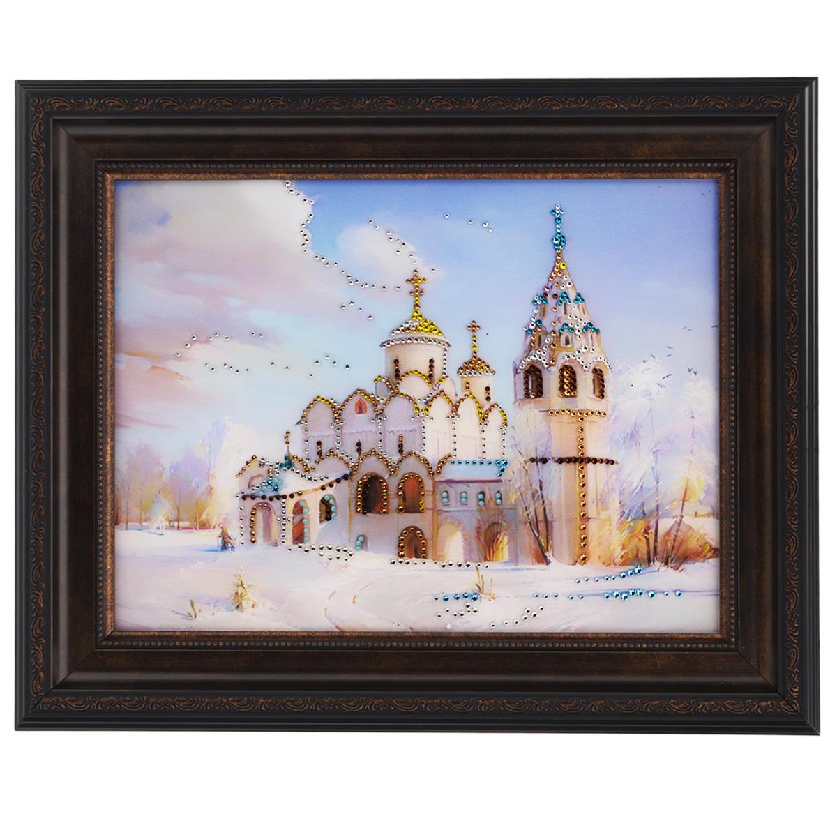 Картина с кристаллами Swarovski Церковь, 50 х 40 см1414Изящная картина в багетной раме, инкрустирована кристаллами Swarovski, которые отличаются четкой и ровной огранкой, ярким блеском и чистотой цвета. Красочное изображение церкови, расположенное под стеклом, прекрасно дополняет блеск кристаллов. С обратной стороны имеется металлическая проволока для размещения картины на стене. Картина с кристаллами Swarovski Церковь элегантно украсит интерьер дома или офиса, а также станет прекрасным подарком, который обязательно понравится получателю. Блеск кристаллов в интерьере, что может быть сказочнее и удивительнее. Картина упакована в подарочную картонную коробку синего цвета и комплектуется сертификатом соответствия Swarovski.